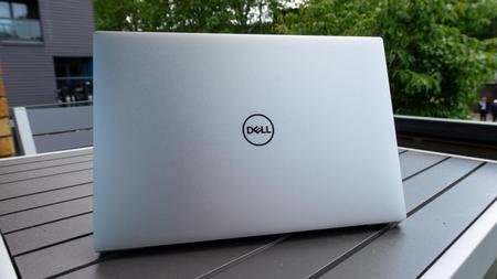 Dell XPS 13 9300 (2020) Evaluate: A Slick Ultrabook That is Simply Too Sizzling