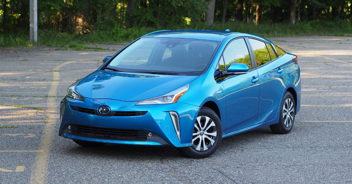 2020 Toyota Prius AWD-e overview: Kid's play