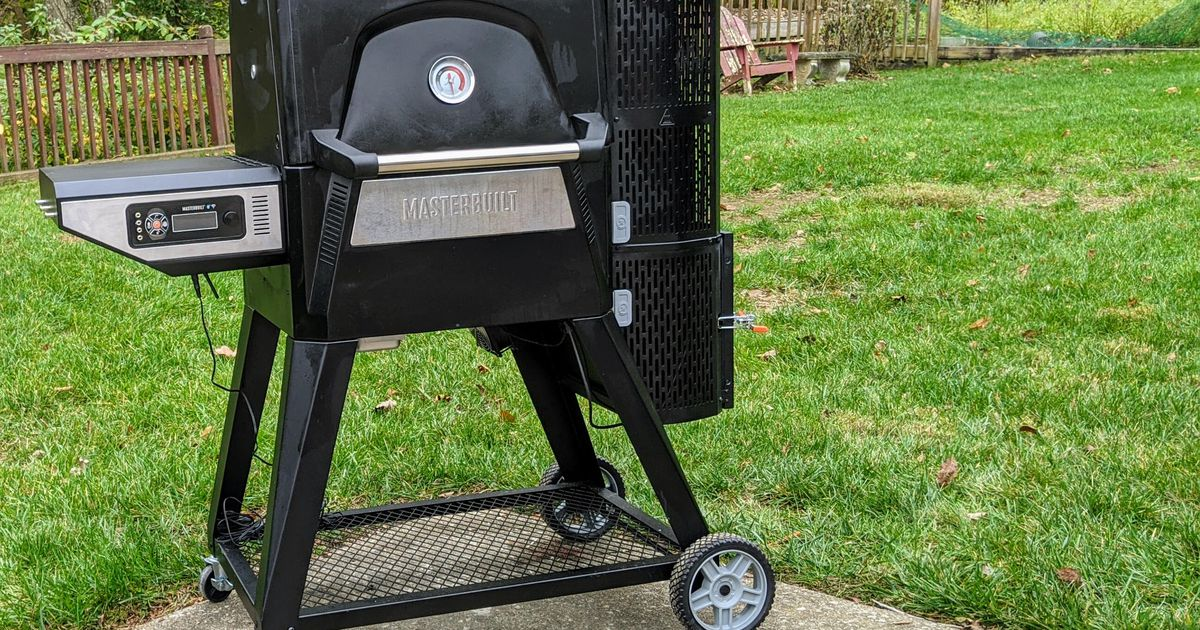 This gravity-fed charcoal grill cooks with tons of barbecue taste