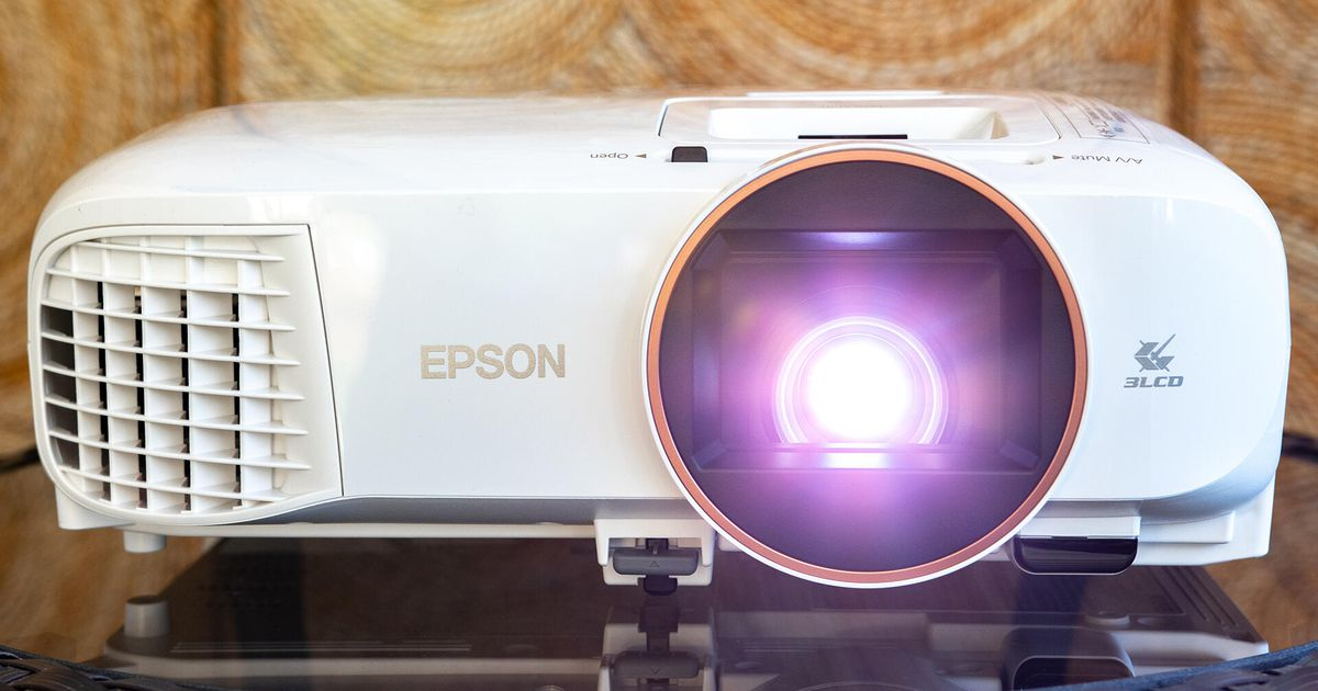 Epson House Cinema 2250 projector evaluation: Go large and go shiny at house