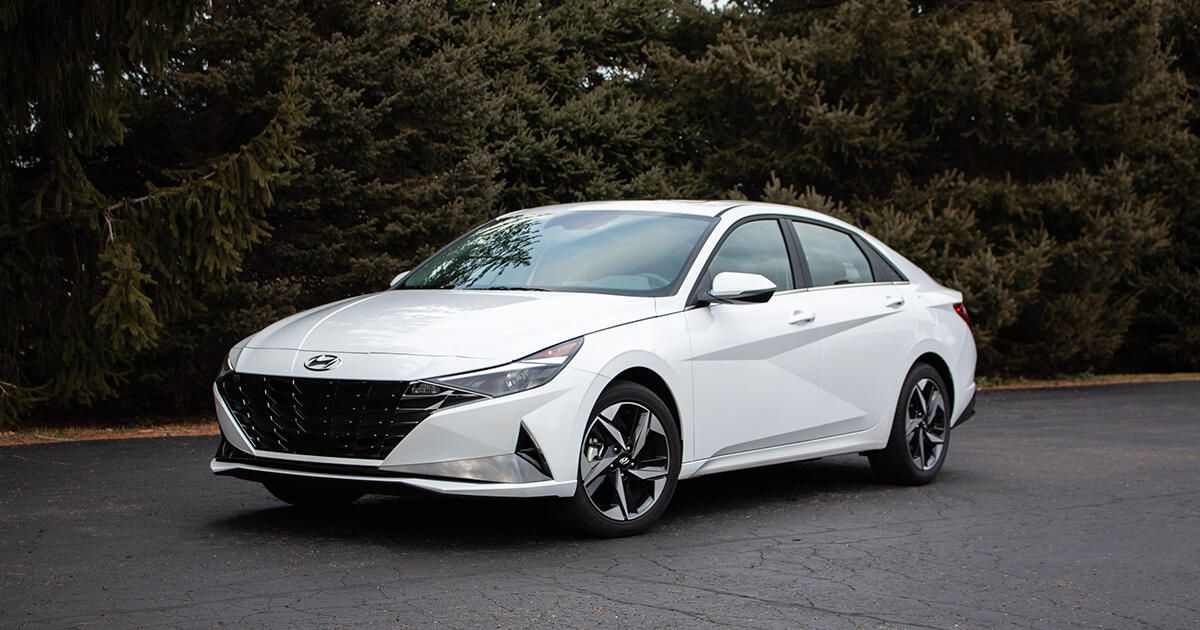 2021 Hyundai Elantra overview: A tech-filled, sharp-dressed looker